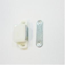 Магнит мебельный  сред. белый(75)